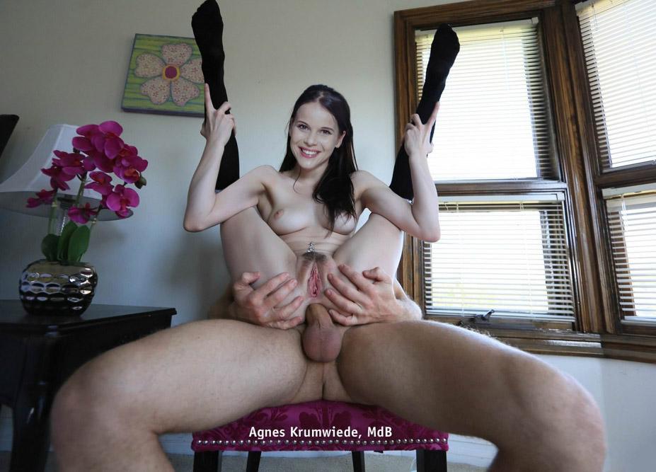 Агнес Крумвиде голая. Фото - 3