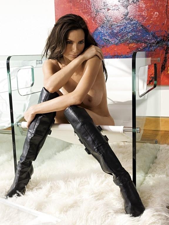 Александра Кэмп-Гроеневельд голая. Фото - 11