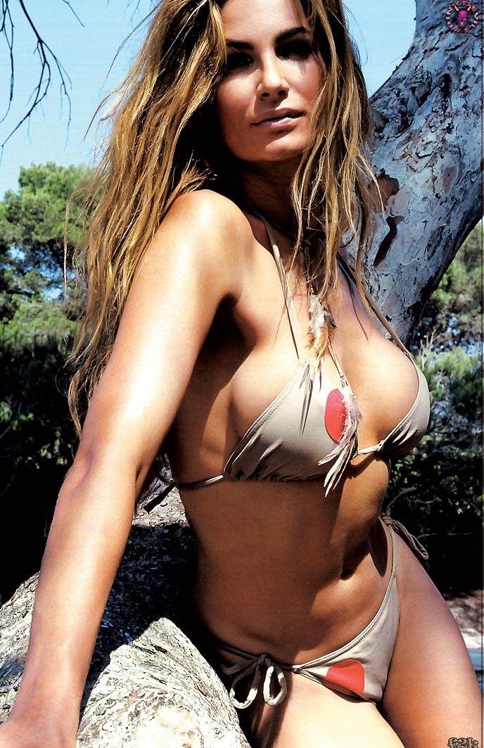 Александра Кэмп-Гроеневельд голая. Фото - 12