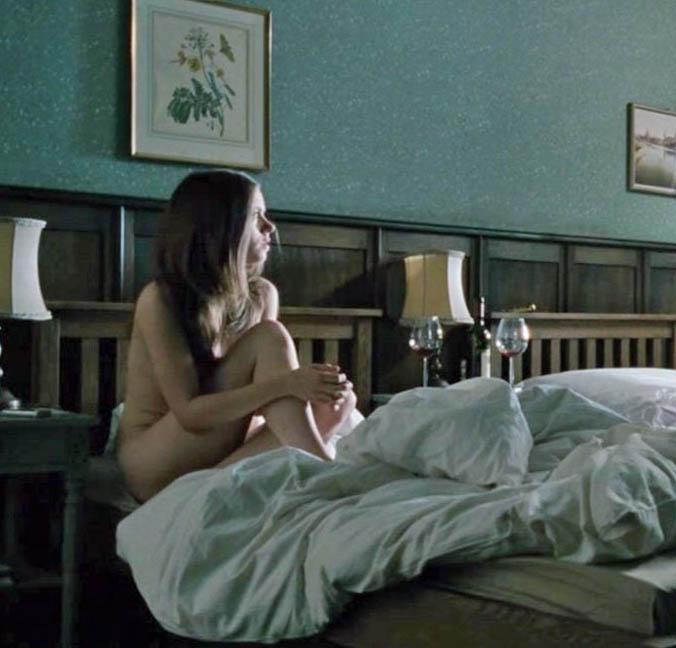 Алиса Двиер голая. Фото - 1