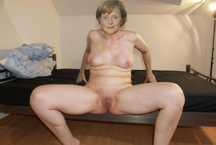 Ангела Меркель голая. Фото - 1