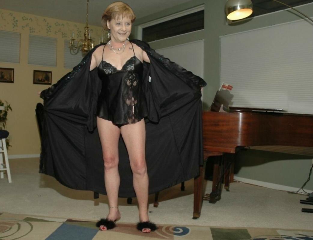 Ангела Меркель голая. Фото - 101