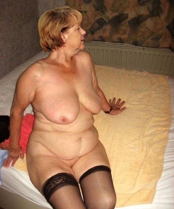 Ангела Меркель голая. Фото - 17