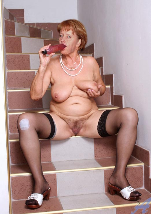 Ангела Меркель голая. Фото - 48