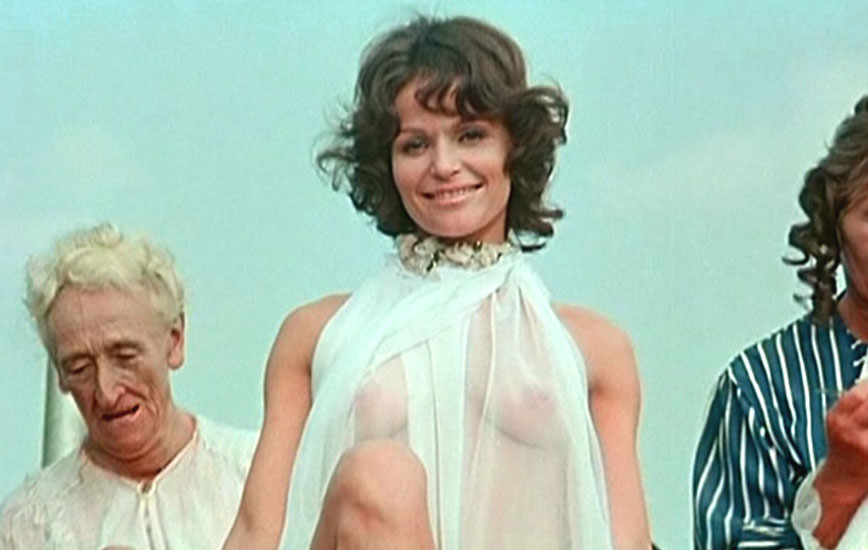 Ангелика Домрёзе голая. Фото - 5
