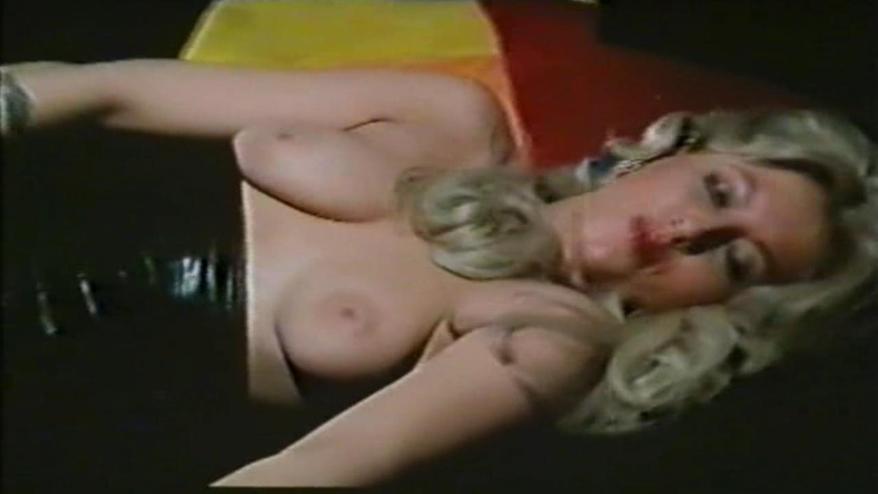 Анжелика Хефнер голая. Фото - 23