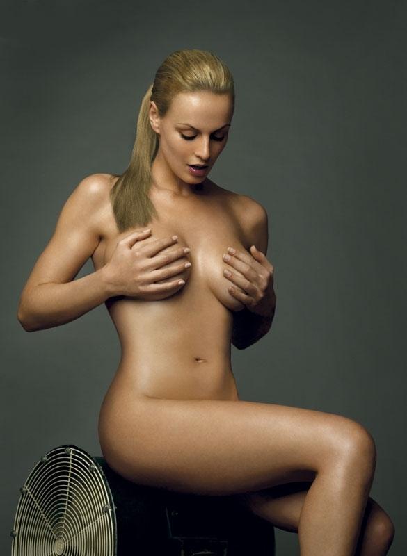 Аня Неджарри голая. Фото - 21