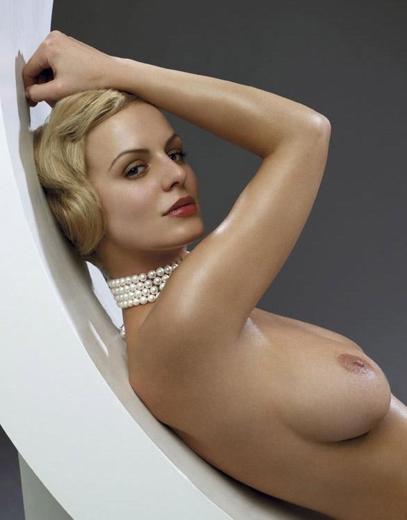 Anja Nejarri Sexy