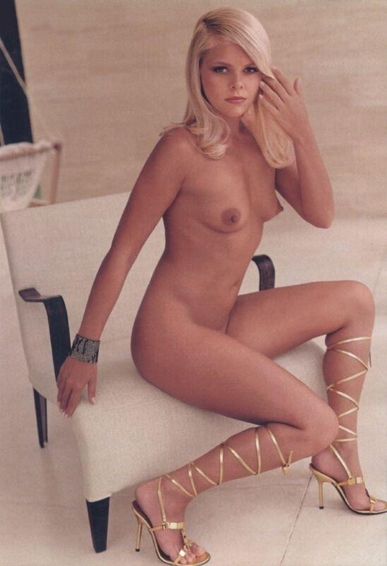 Briest  nackt Anne-Sophie Natalie