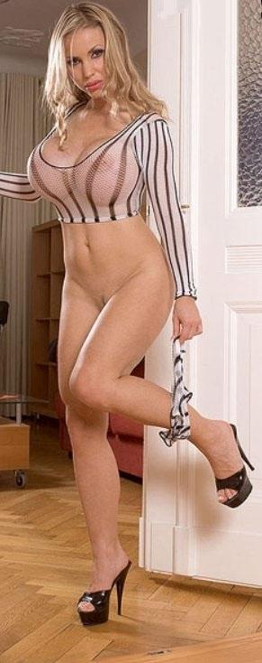 Аннина Укатис голая. Фото - 34