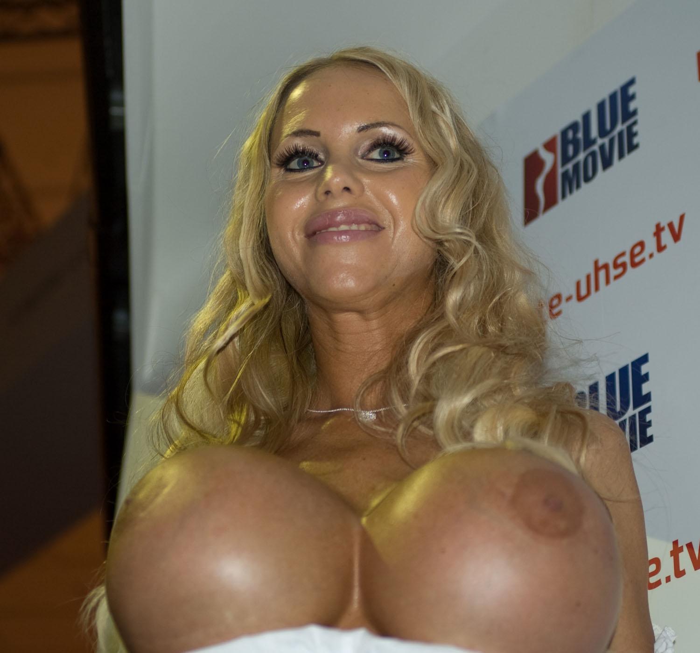 Аннина Укатис голая. Фото - 4