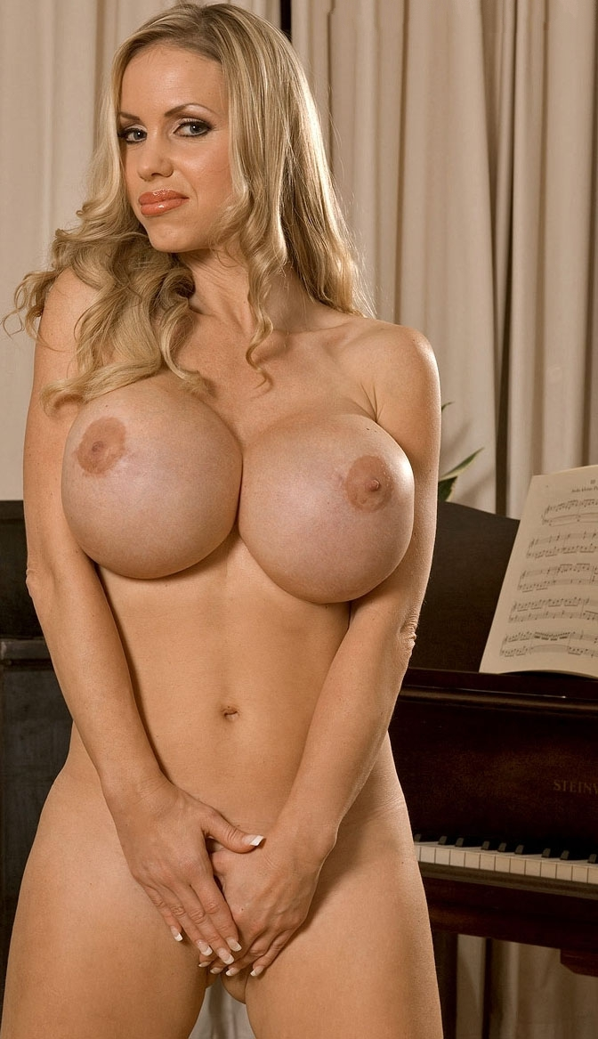 Аннина Укатис голая. Фото - 41