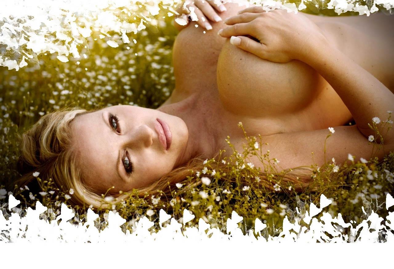 Аннина Укатис голая. Фото - 60