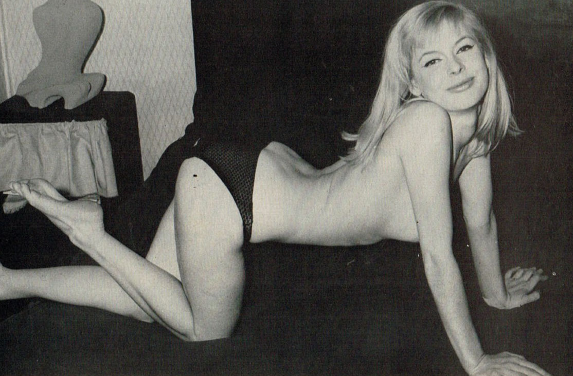 Астрид Франк голая. Фото - 36