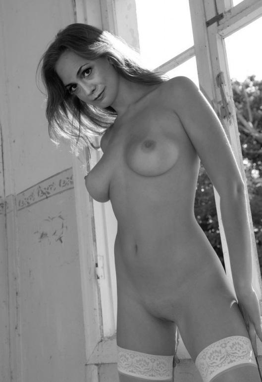 Барбара Вуссов голая. Фото - 17