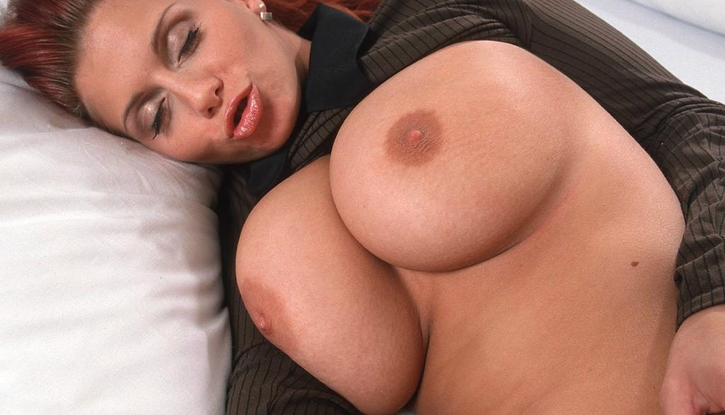 bettie-nibblez-brown-nude-guys-and