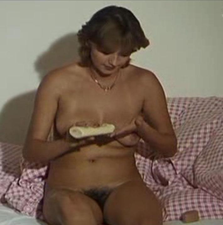 Кармен Шевалье голая. Фото - 2