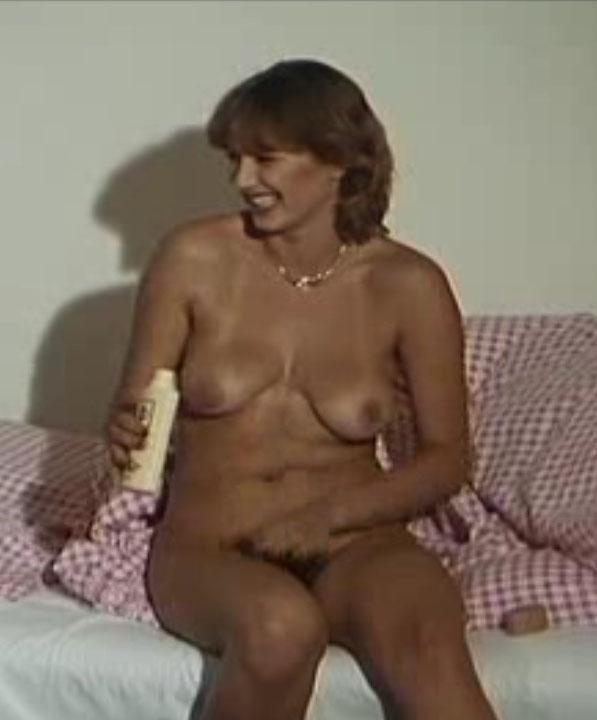 Кармен Шевалье голая. Фото - 3