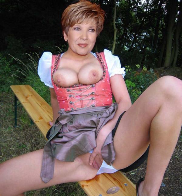 Carolin Reiber Nackt. Fotografie - 18