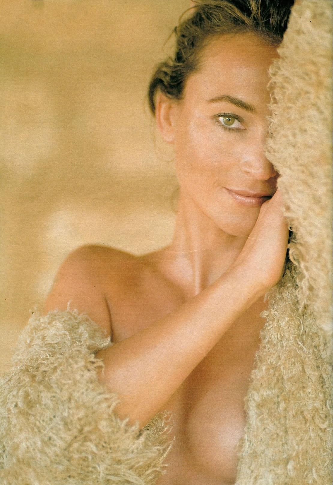 Каролина Байль голая. Фото - 17