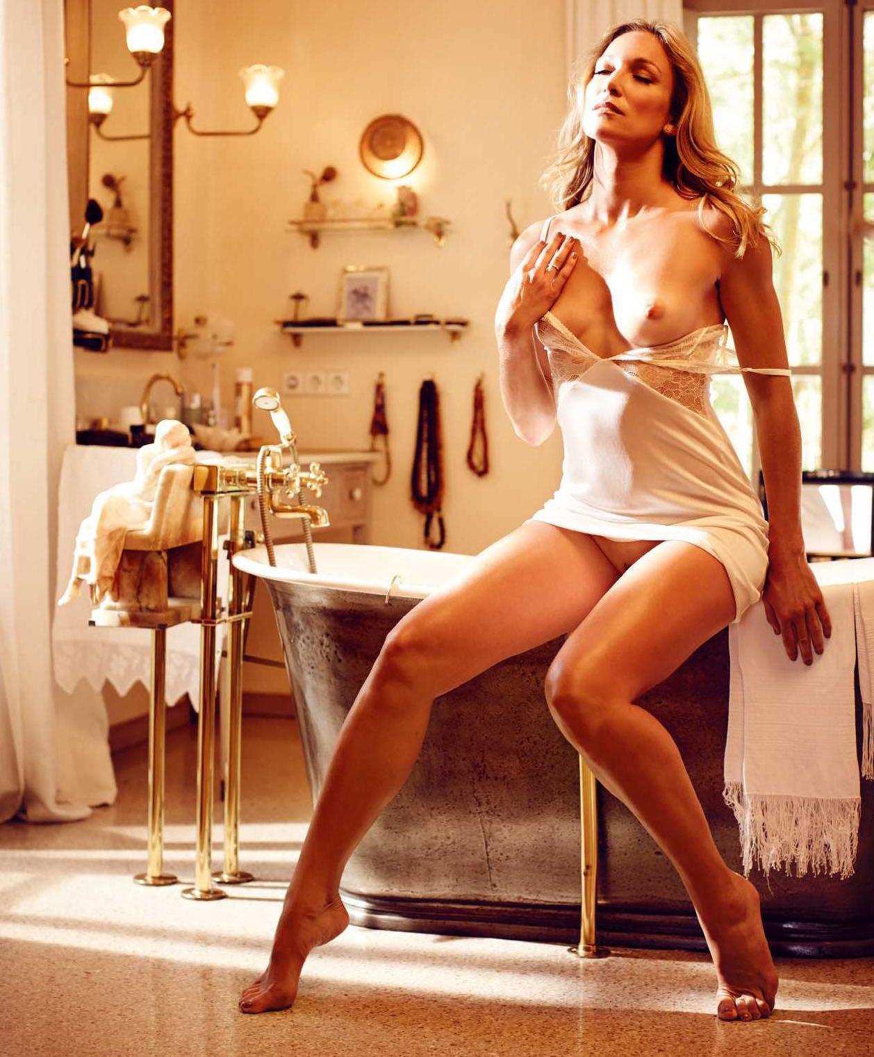 Кристин Тэйсс голая. Фото - 18