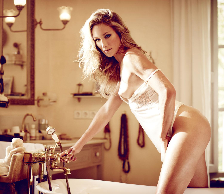 Кристин Тэйсс голая. Фото - 38