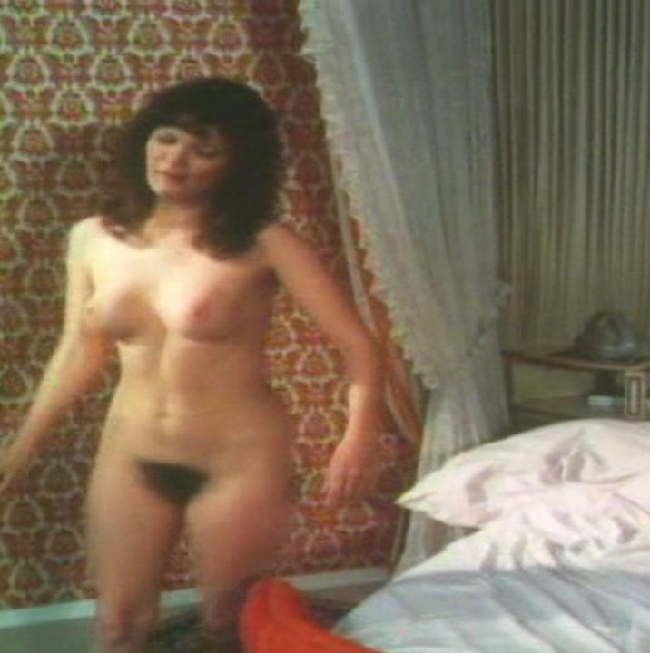 Клаудия Филерз голая. Фото - 22