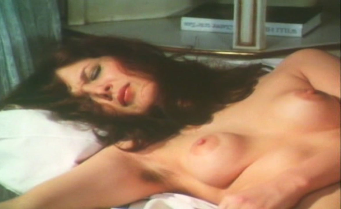 Клаудия Филерз голая. Фото - 28