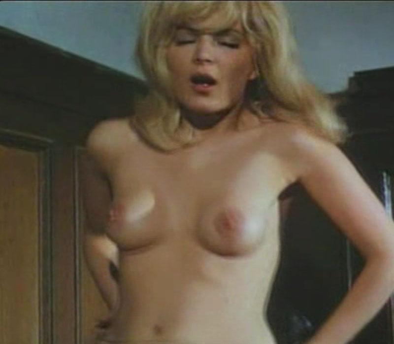Клаудия Филерз голая. Фото - 48