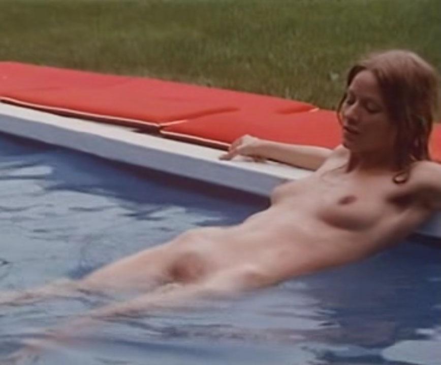 Клаудия Филерз голая. Фото - 53