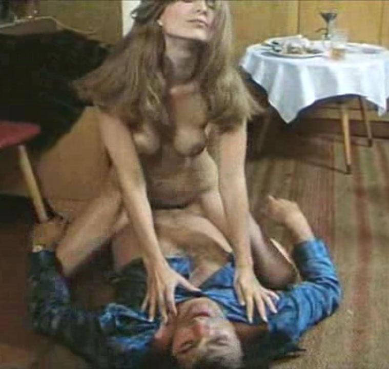Клаудия Филерз голая. Фото - 60