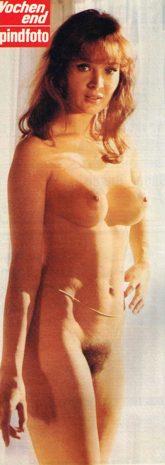 Клаудия Филерз голая. Фото - 9