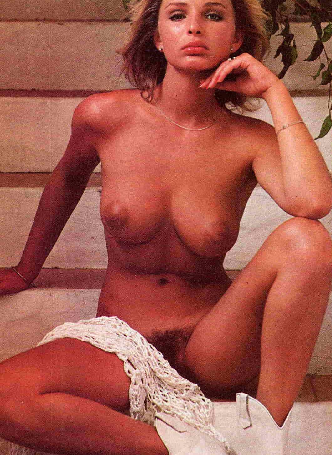 Коринна Древс голая. Фото - 25