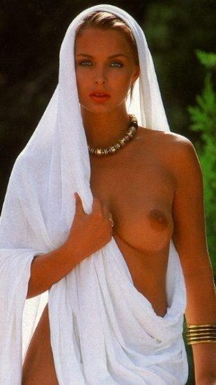 Коринна Древс голая. Фото - 5