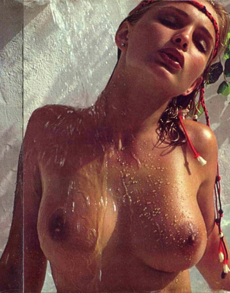 Коринна Древс голая. Фото - 9