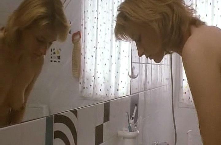 Коринна Харфух голая. Фото - 1