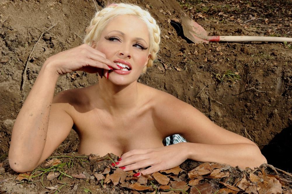 Даниэла Катценбергер голая. Фото - 70