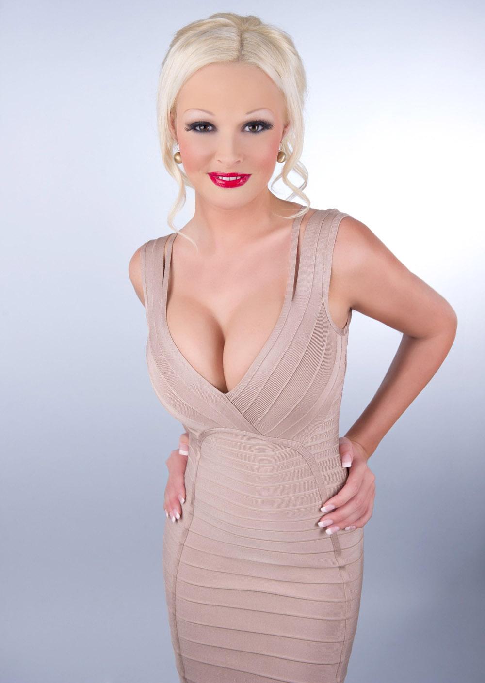 Daniela Katzenberger Nackt. Fotografie - 81