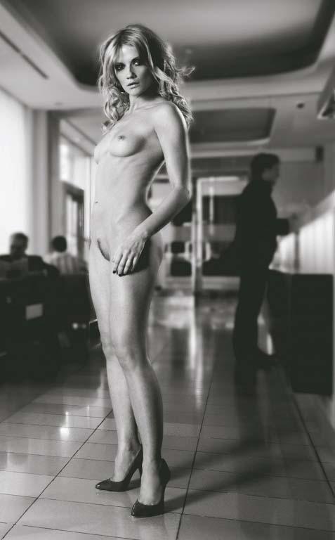Дореен Якоби голая. Фото - 1