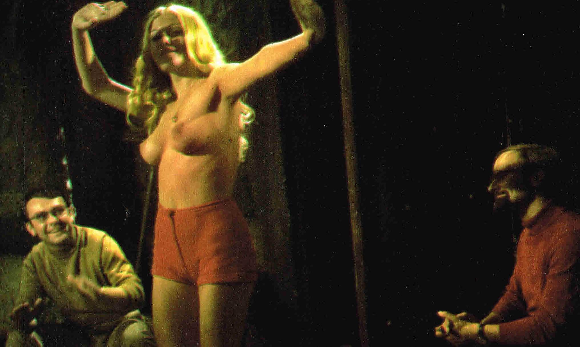 Дорит Хенке голая. Фото - 109