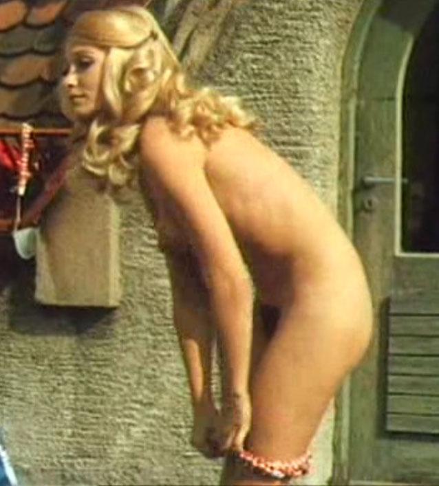 Дорит Хенке голая. Фото - 25