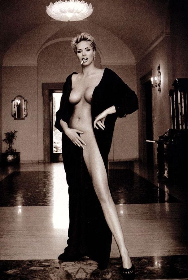 Ela Weber nahá. Fotka - 24