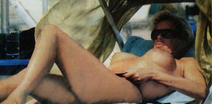 Ela Weber nahá. Fotka - 3