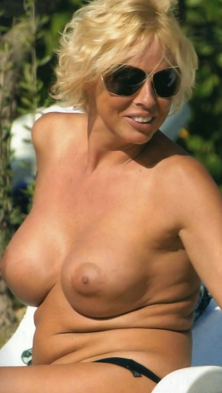Ela Weber nahá. Fotka - 5