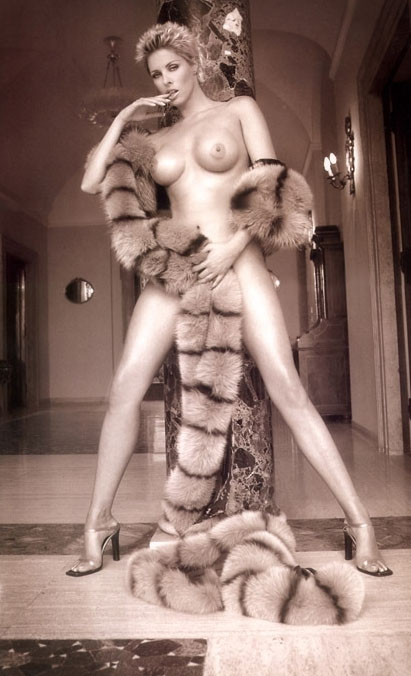 Ela Weber nahá. Fotka - 6