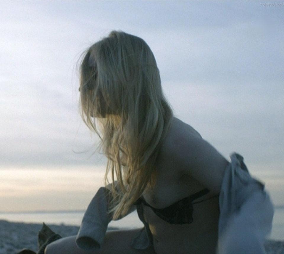 Элиза Шлотт голая. Фото - 12