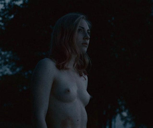 Элиза Шлотт голая. Фото - 7