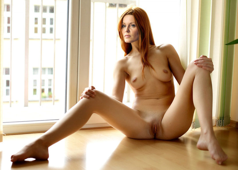 Эстер Швейнс голая. Фото - 46