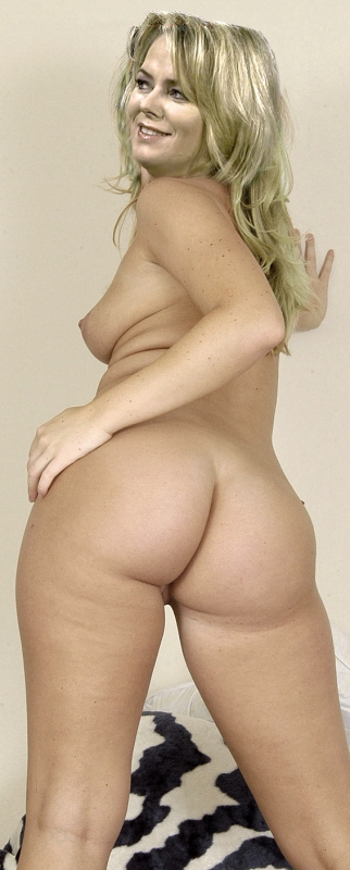 Ева Херман голая. Фото - 1