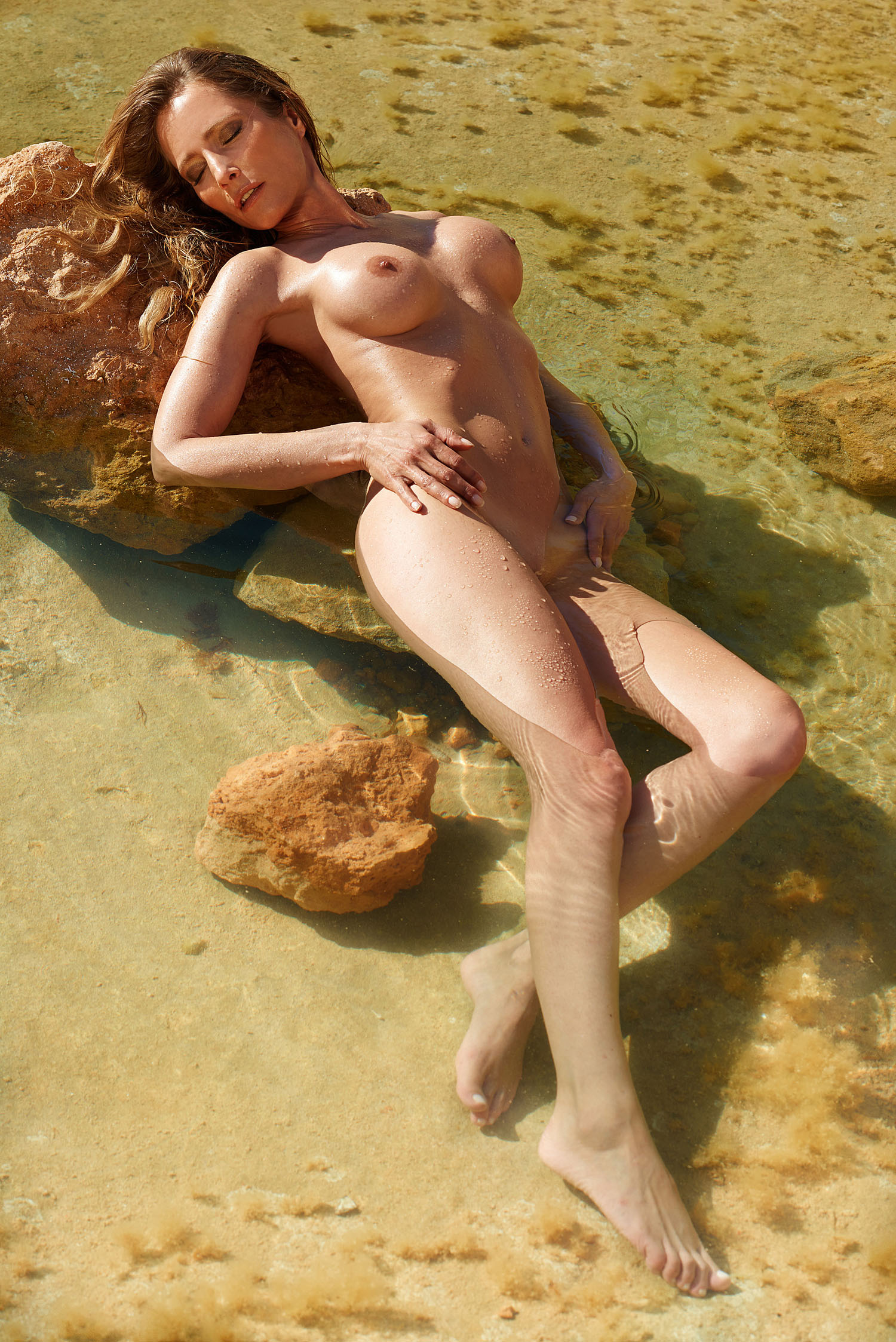 Rain Florence Nudes